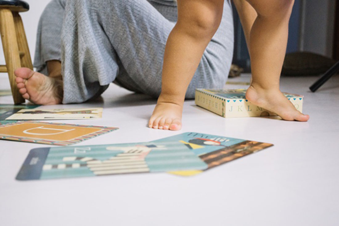 Barefoot baby walking on nursery floor, Photo credit Freepik